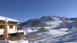"""Contagiati sciando fanno causa: """"Dovevano chiudere tutto e non l'hanno fatto"""""""
