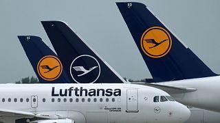 Almanya'nın en büyük havayolları şirketlerinden Lufthansa, Covid-19 salgını döneminde devlet desteği sayesinde iflas açıklamaktan kurtulmuştu.