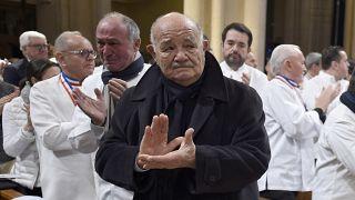 Le chef Pierre Troisgros, lors des funérailles de son ami Paul Bocuse.