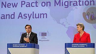 El vicepresidente de la Comisión Margaritis Schinas y la comisaria de Interior Ylva Johansson en la presentación del Pacto sobre migraciones y asilo.