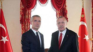 Türkiye Cumhurbaşkanı Recep Tayyip Erdoğan (sağda) NATO Genel Sekreteri Jens Stoltenberg (solda)