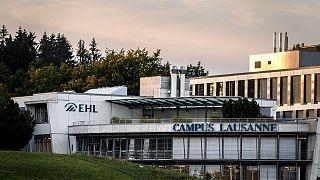 İsviçre'de öğrencileri karantinaya alınan Ecole Hoteliere de Lausanne Turizm ve Otelcilik Okulu.