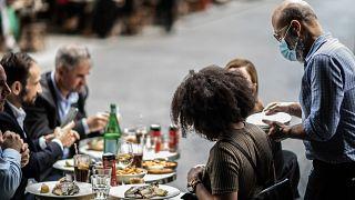 Paris'te bir restorant