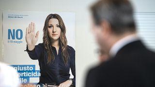 İsviçre'de silah referandumunda bir afiş (2019)