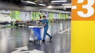 ویدئو؛ پارکینگ بیمارستانی در اسرائیل به بخش ویژه کووید۱۹ تبدیل شد