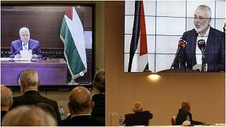 من لقاء عبر الفيديو بين قادة الفصائل والرئيس الفلسطيني محمود عباس