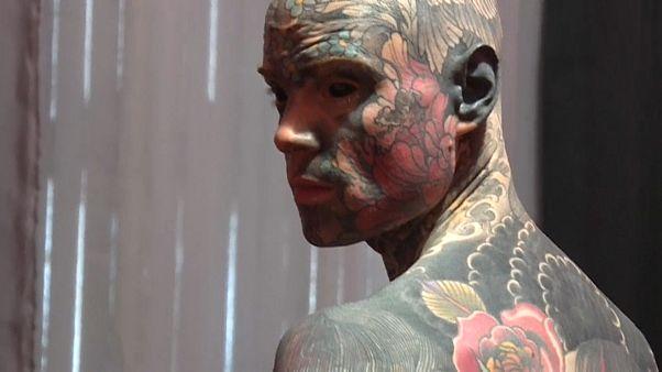Сильвен Элен – самый татуированный человек Франции. И он школьный учитель.