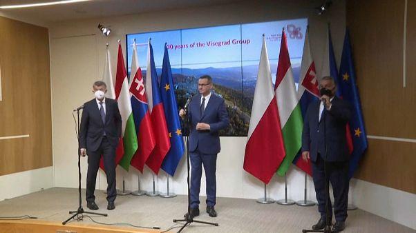 Grupo de Visegrado sem entusiasmo pelo pacto para migração