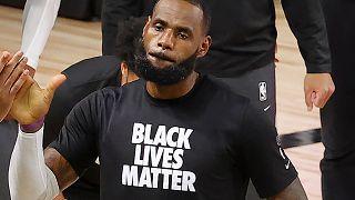 LeBron James apporte son soutien aux femmes noires