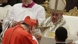 Kardinal Becciu und Papst Franziskus
