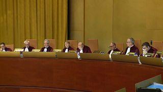Bruxelas recorre a Tribunal de Justiça da UE contra a Apple