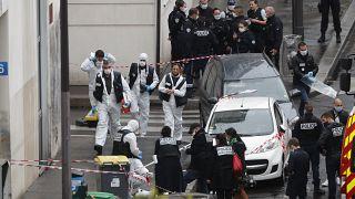 حمله با سلاح سرد در نزدیکی دفتر مجله شارلی ابدو