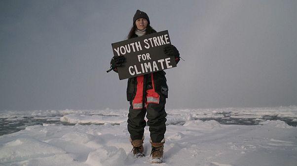 ویدئو؛ «اعتصاب جوانان برای تغییرات اقلیمی» در اقیانوس منجمد شمالی