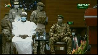Mali swears in interim president Ndaw