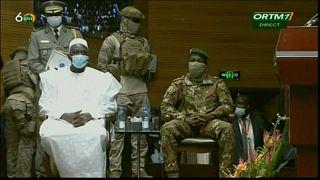 Investiture du président par intérim Bah N'Daw à Bamako