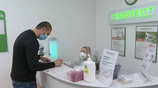 Russian lab checks virus status as Moscow rolls out mass testing
