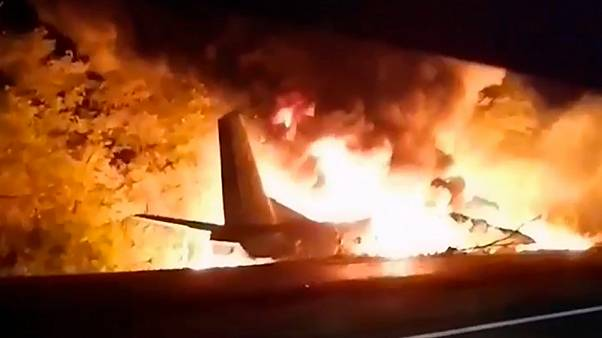 Huszonöten haltak meg egy ukrán repülőbalesetben