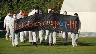 Német környezetvédelmi aktivisták blokád alá vontak egy lignitbányát
