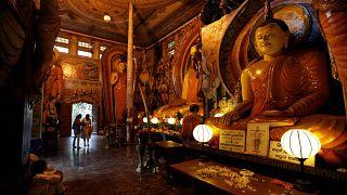 Sri Lanka'da bir Budist tapınağı (arşiv)