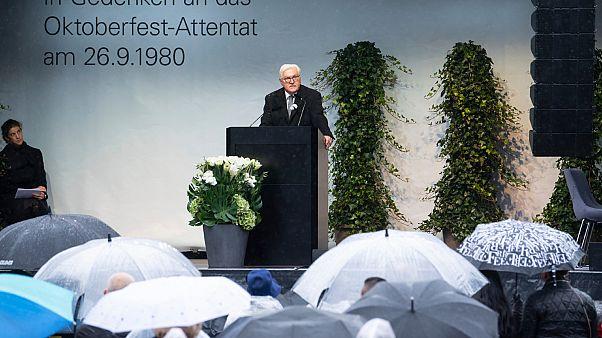 الرئيس الاتحادي الألماني فرانك فالتر شتاينماير في الذكرى الأربعين للهجوم اليميني المتطرف على أوكتوب رفست في تيريزينفيس في ميونيخ.