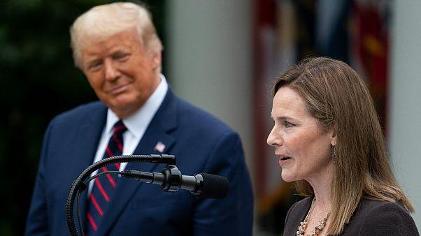Presidente dos Estados Unidos coloca os holofotes em Amy Conet Barret
