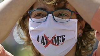 کارگر معترض پرتغالی به افزایش اخراج از کار و دستمزدهای پایین