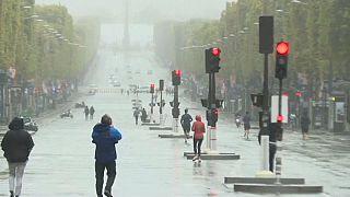 خیابانهای مرکزی پاریس در روزی عاری از خودروهای شخصی