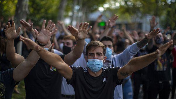 Imagen de una de las protestas contra la gestión regional de la pandemia que han tenido lugar este domingo en Madrid