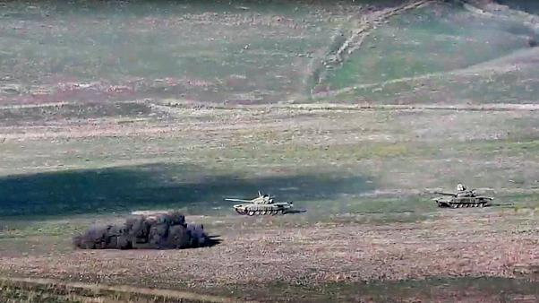 دبابات تابعة للجيش الأذري في أذربيجان