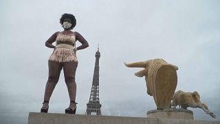 عرض أزياء للبدينات في باريس