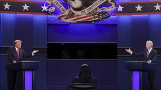 Trump und Biden während einer Fernsehdebatte