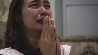 تري نوفيا سبتياني خلال حفل تأبين على الإنترنت بعد مرور 40 يومًا على وفاة خطيبها الدكتور مايكل روبرت مارامبي جراء كوفيد-19  في جاكرتا