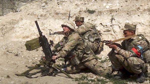 جنود أذربيجان أثناء المواجهات مع أرمينيا