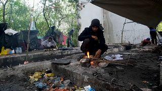 Yaklaşan kışla birlikte Bosna-Hersek'teki göçmenlerin yaşam mücadelesi