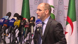 رئيس حزب حركة مجتمع السلم في الجزائر عبد الرزاق مقري خلال مؤتمر صحفي في مقر الحزب في العاصمة 28 سبتمبر 2020