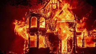Le feu à Saint Helena dans le comté de Napa en Californie.