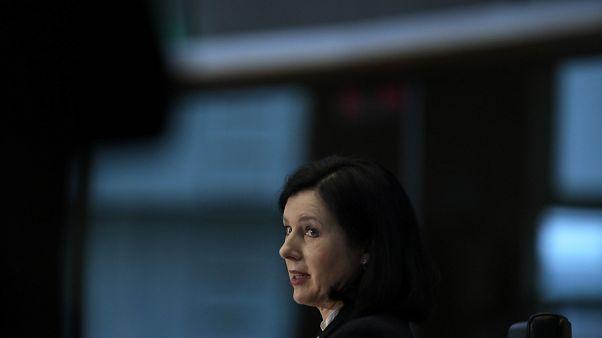 Scontro Orban-Jourova. Il premier ungherese chiede le dimissioni della Commissaria europea