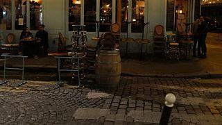 La terrasse d'un café parisien avant les nouvelles restrictions imposées en raison de la forte circulation du nouveau coronavirus en France, le 28 septembre 2020