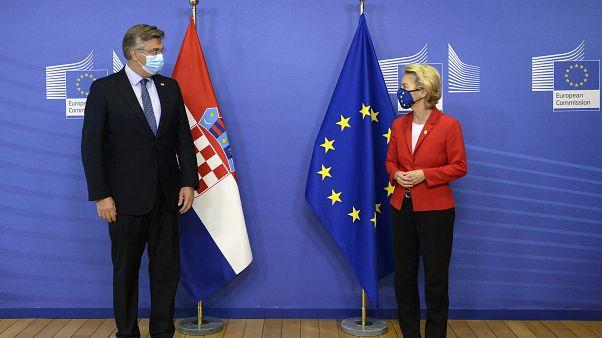 رئيسة المفوضية الأوروبية مع رئيس الوزراء الكرواتي قبيل القمة