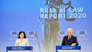 Vera Jourová és Didie Reynders a jogállamisági jelentés bemutatásán