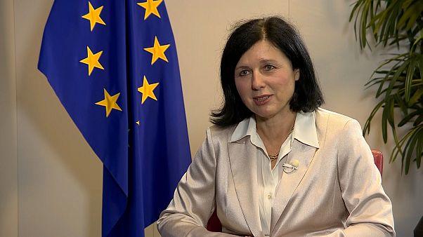 """Vera Jourová,  vicepresidenta de la Comisión: """"Necesitamos jueces independientes"""""""