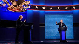 الرئيس دونالد ترامب والمرشح الديمقراطي للرئاسة جو بايدن، خلال المناظرة الأولى، الثلاثاء، 29 سبتمبر  2020