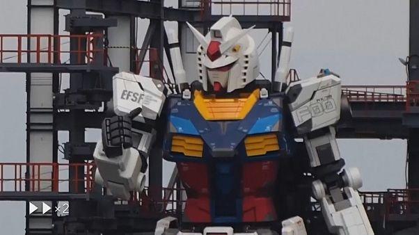 شاهد: الرجل الآلي الأكبر في العالم في مدينة ملاهي يابانية