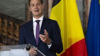 Seize mois après les élections, la Belgique a un nouveau Premier ministre, Alexander De Croo, un libéral flamand.