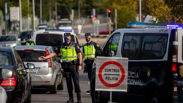 Control de policía en Orcasitas, Madrid