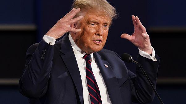 """""""Laissez les forces de l'ordre faire leur travail"""", le nouveau message de Trump aux suprémacistes"""