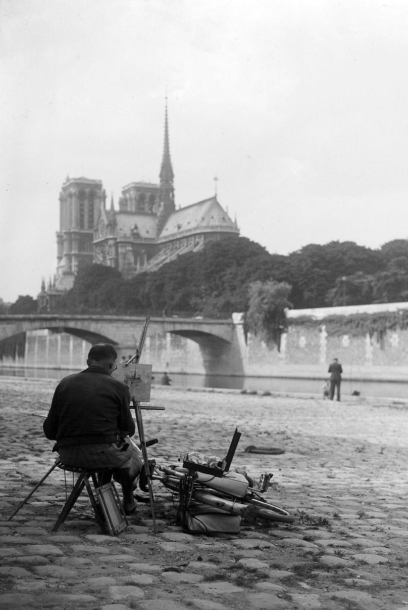 Catedrala Notre Dame - 1945