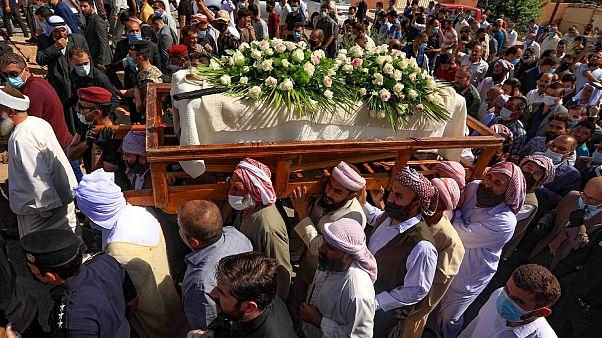 جنازة بابا شيخ خرتو حاجي إسماعيل، المرشد الروحي الأعلى للأقلية الدينية اليزيدية في بلدة شيخان العراقي.