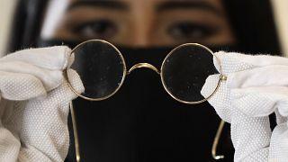 Eine von John Lennons Nickelbrillen