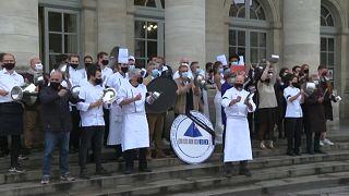 Michelin-csillagos francia séfek tiltakoztak a koronavírus-járvány miatti korlátozások ellen